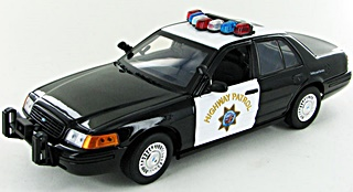 - 1/18 FORD CROWN VICTORIA CHP POLICE CALIFORNIE